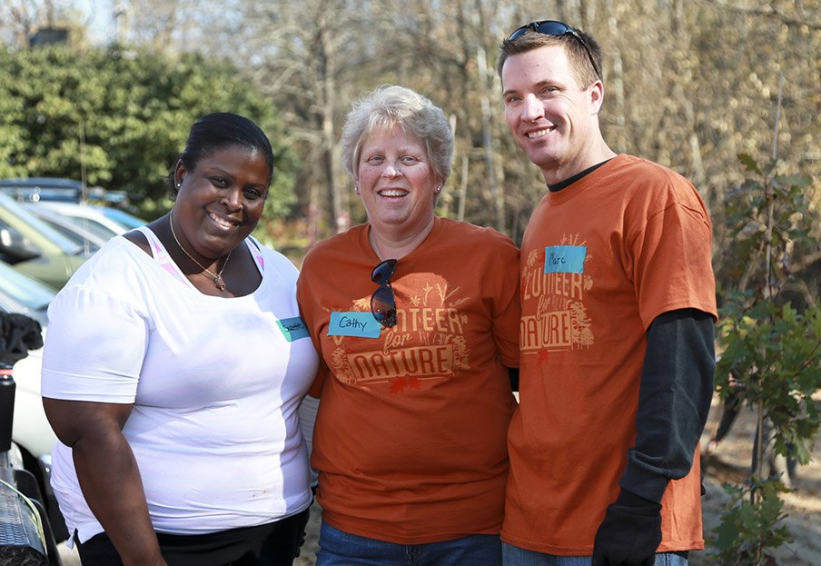 Brown-Forman Employees at Volunteer for Nature event